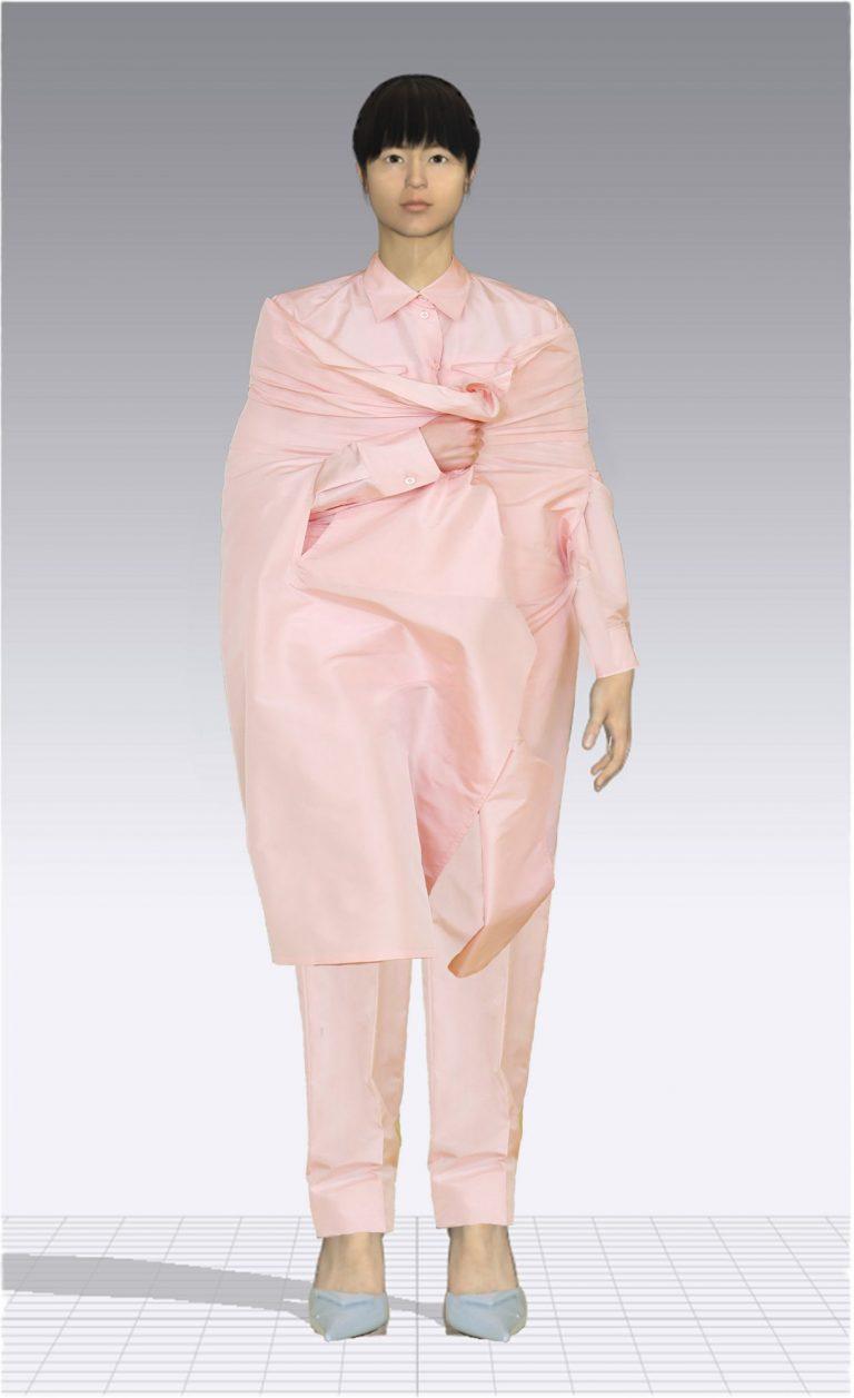 Ein weiblicher Avatar trägt einen rosa Zweiteiler aus einem langen Hemd und einer passenden Hose. Der Avatar ist Plus Size.